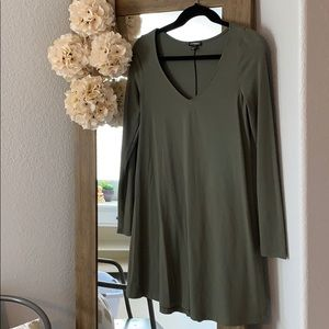 NWOT olive green long sleeved dress